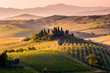 Leinwanddruck Bild - Tuscany, landscape and farmhouse in the hills of Val d'Orcia