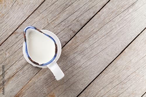 Staande foto Zuivelproducten Milk jug