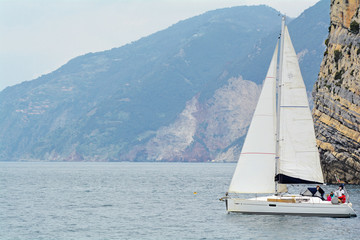 Barca a vela aperta