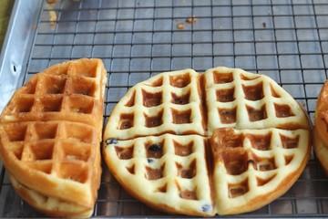 Sweet waffles in the market