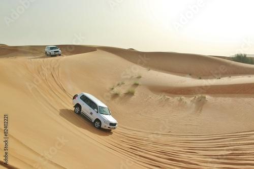 Foto Spatwand Dubai car in desert