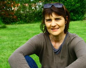 femme 45,50 ans,extérieur,heureuse,portrait sérénité
