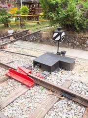 derailer with indicator box