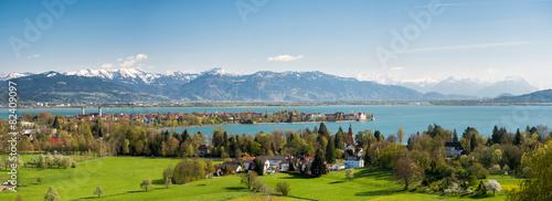 Blick auf die Halbinsel Lindau und die Alpen