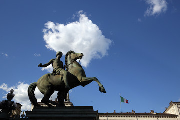statua palazzo reale torino