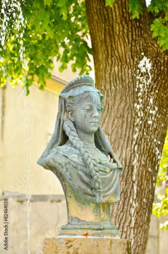 Leinwanddruck Bild Une des fontaine de Die (Die / Drôme)