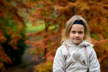 Girl's portrait in the autumn park