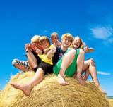 Gruppe glücklicher Kinder