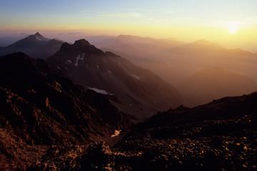 雄大なる日の出、And The Grand sunrise