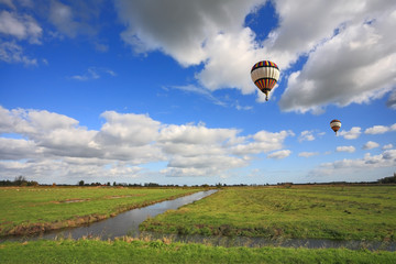 The balloon flies over the plains