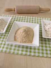 Mehl und Sauerteigextrakt