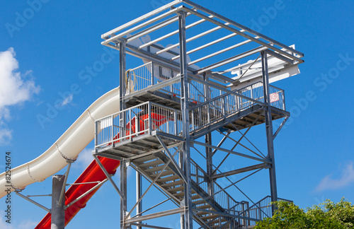 structure de loisirs, tour d'accès au toboggan - 82524674
