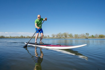 stand up paddleboard workout