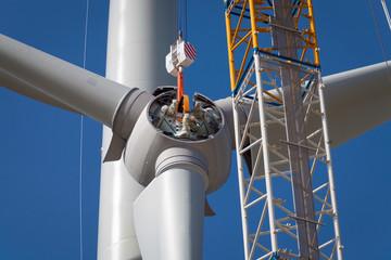 Rotor eines Windrades am Haken