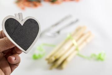 Schild in Herzform - Spargelzeit