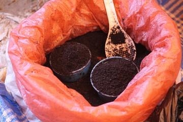 caffè macinato, Sulawesi, settembre 2014