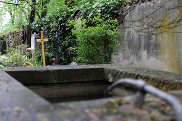 Brunnen im Friedhof