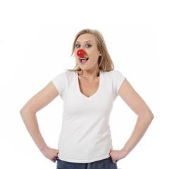 femme avec nez de clown