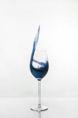 Blauer Splash