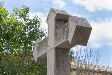 Cruz de piedra.