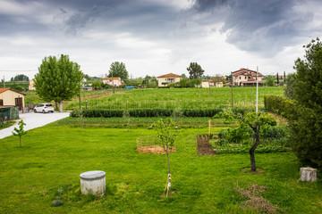 Paesaggio di campagna Toscana, colline coltivazioni, agricoltura