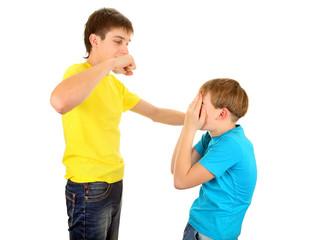 Teenager threaten the Kid