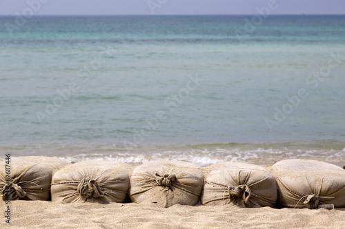 Sacchi Di Sabbia Su Sfondo Mare Buy Photos Ap Images Detailview