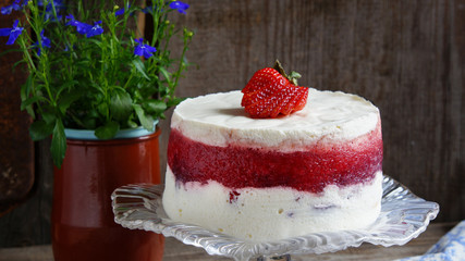 mousse cake with strawberry