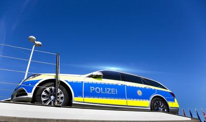 Lieferung neuer Streifenwagen für die Polizei