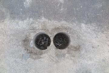 Cylindrical specimens (roadway core specimens) of the asphalt