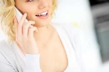 Woman talking on the smarphone
