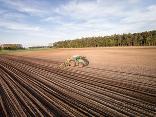 Ackerbau - Mais legen, Luftaufnahme