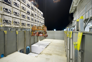 night container operation in port