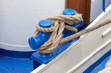 Knot on a bollard of a boat