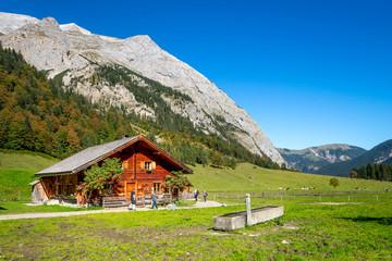 Almdorf in den Alpen