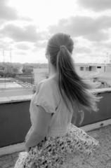 Ballerina con i capelli al vento