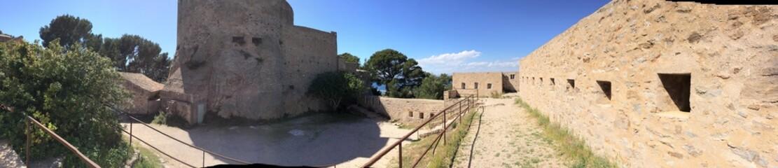 panoramique chateau sainte agathe porquerolles