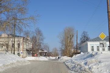 Улица в провинциальном русском городе Чердынь.