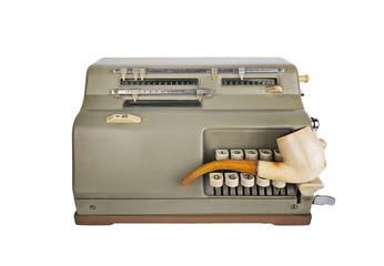 Calcolatore vintage anni'50 con pipa da investigatore