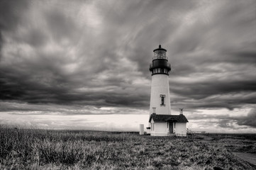 B&W of lighthouse in Newport, Oregon.