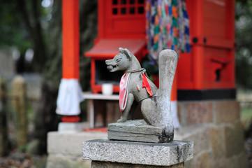 稲荷神社の狛狐-1