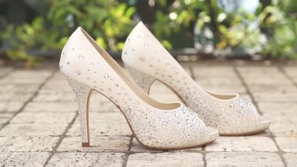 Beautiful Wedding Shoes With Shiny Crystals