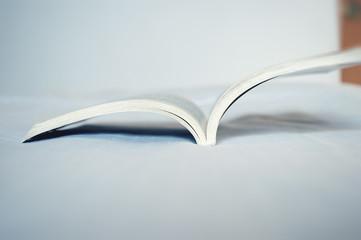 Libro di scuola aperto