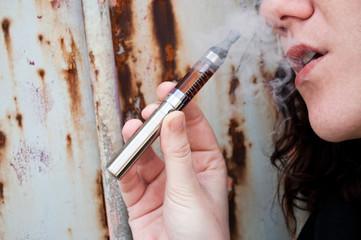 cigarette électronique en extérieur