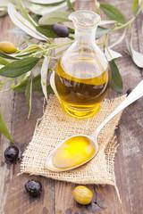 Krug mit Olvenöl