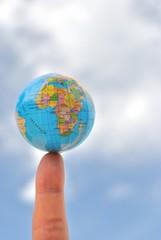 La Terra sulla punta di un dito