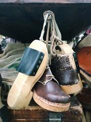Vecchie scarpe di una volta