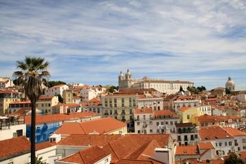Stadtansicht der Altstadt Alfama von Lissabon