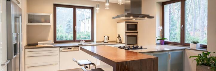 Bright, modern kitchen