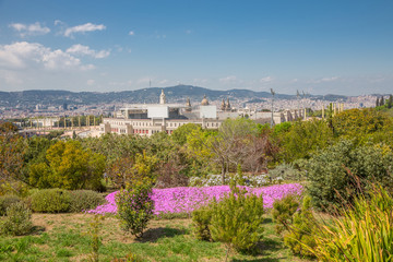 Barcelone - Complexe Olympique depuis le jardin botanique